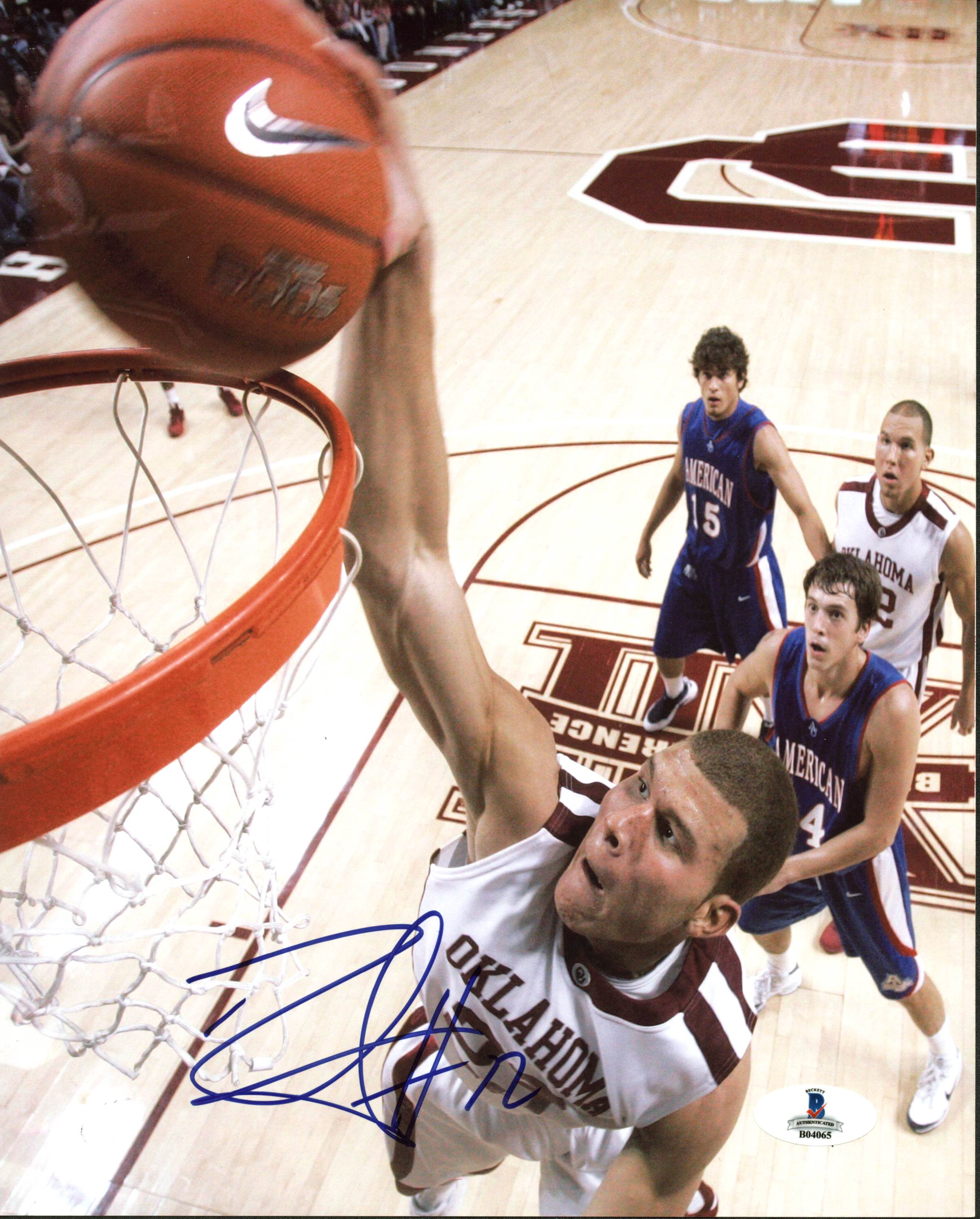 Blake Griffin Oklahoma Sooners Autographed 8x10 Photo VIP-BAS-B04065