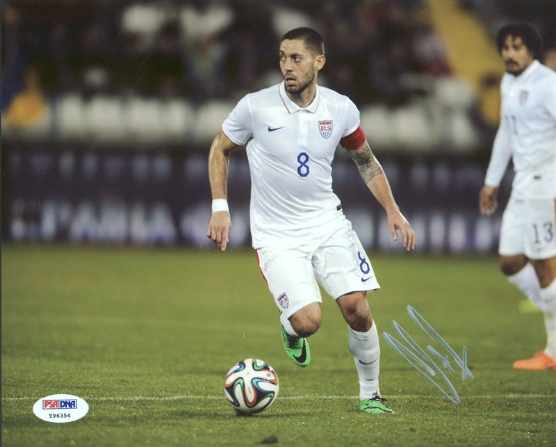 Clint Dempsey USA Soccer Signed Authentic 8X10 Photo Autographed PSA/DNA #Y96354
