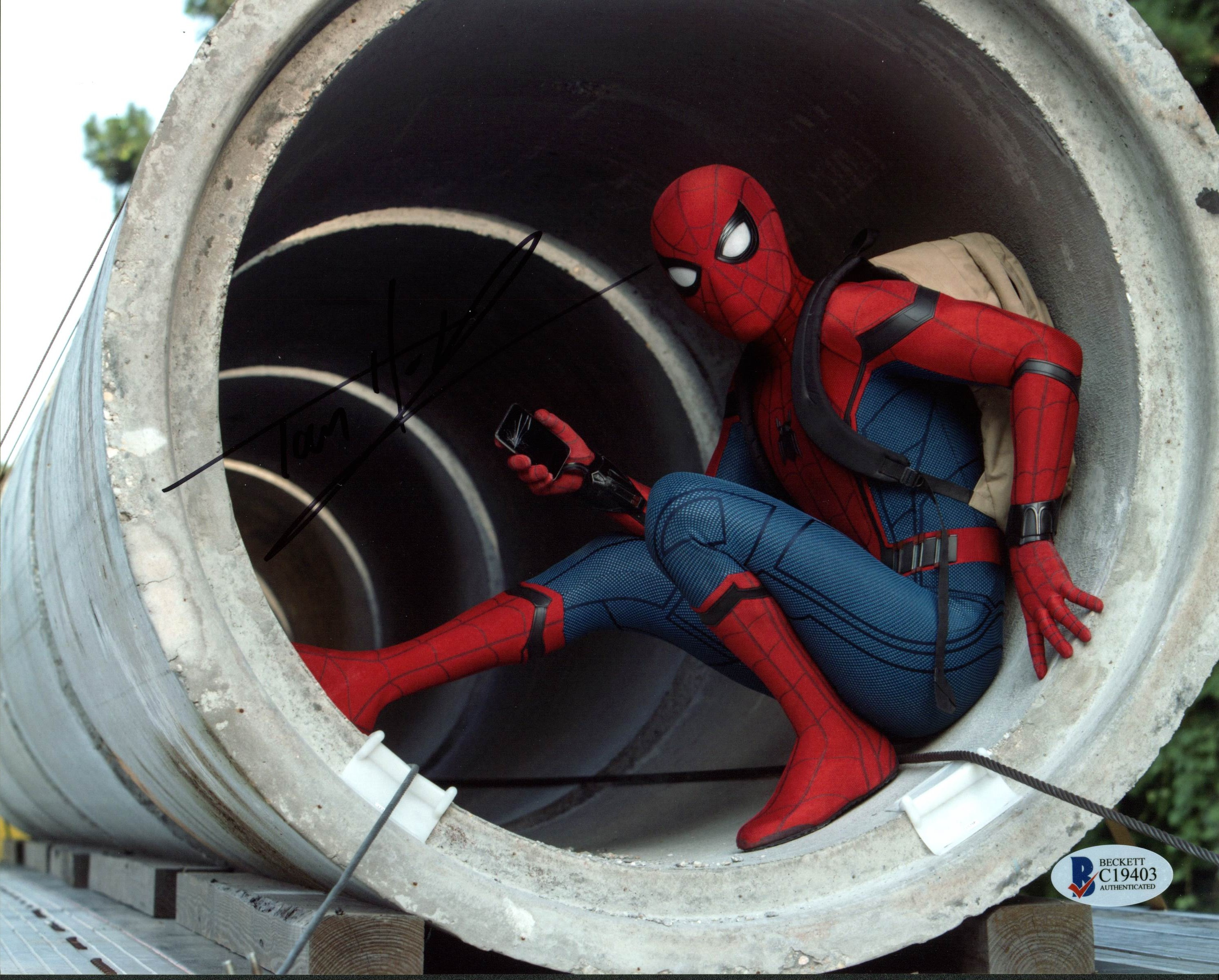 Tom Holland Spiderman Homecoming Authentic Signed 8x10 Photo BAS #C43759