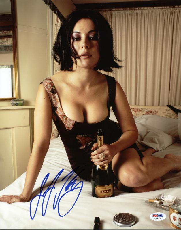 Jennifer Tilly Hot! signed autographed Sexy 8x10 photo PSA