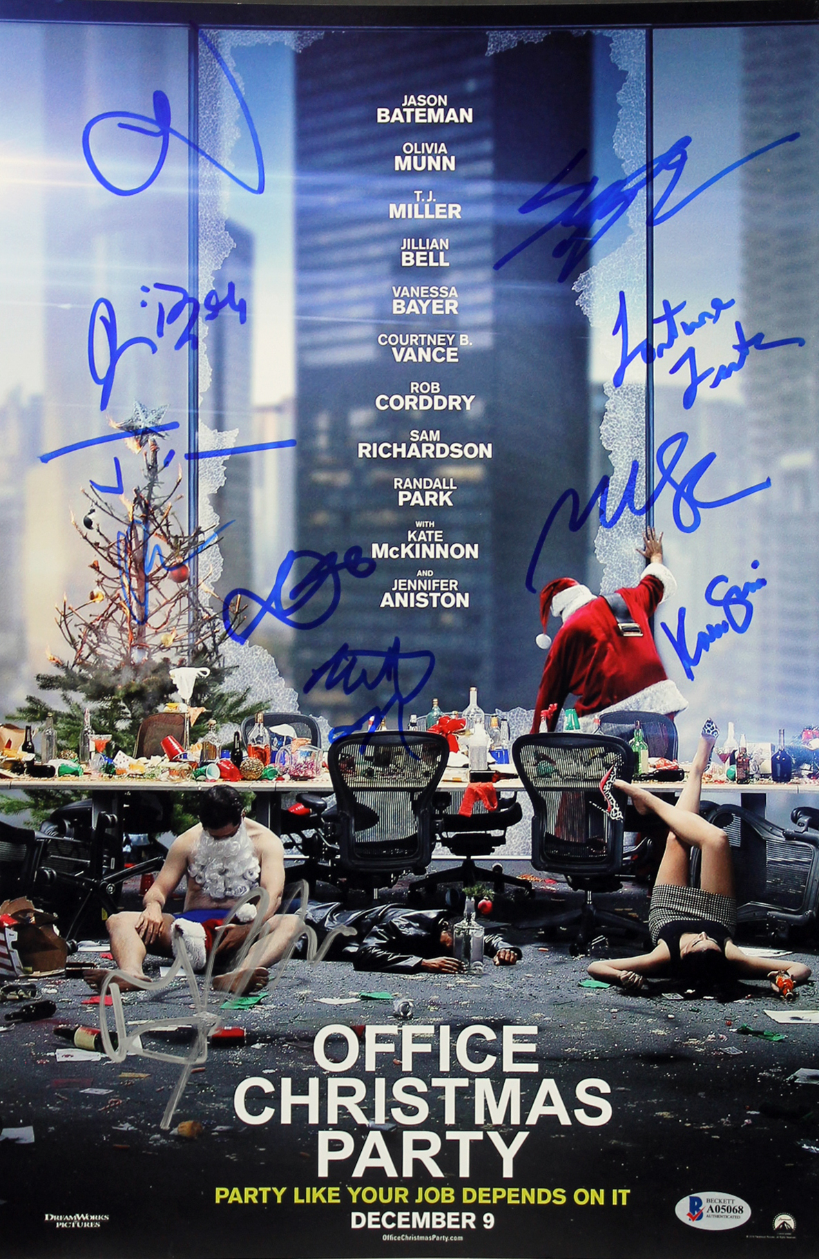 Office Christmas Party Cast (10) Munn, Miller Signed 11x17 Photo BAS ...