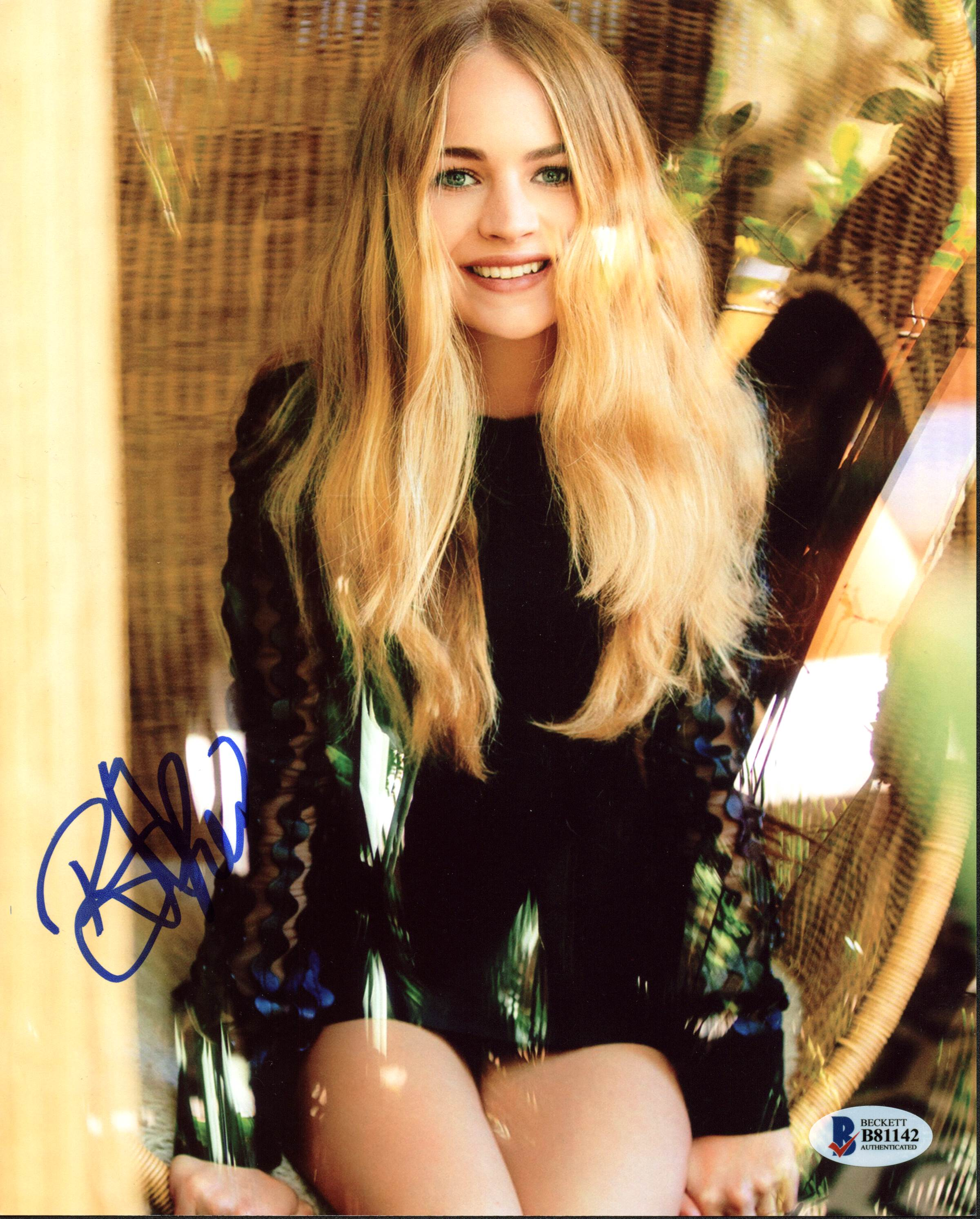 Britt Robertson Signed Autographed 8x10 Photograph Television